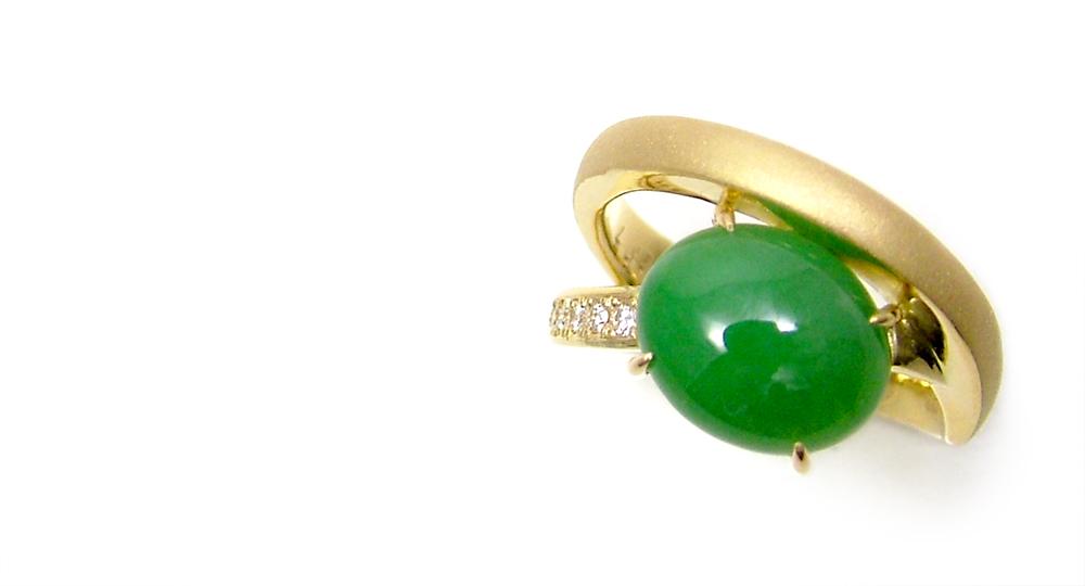 K18 Jade Diamonds Ring
