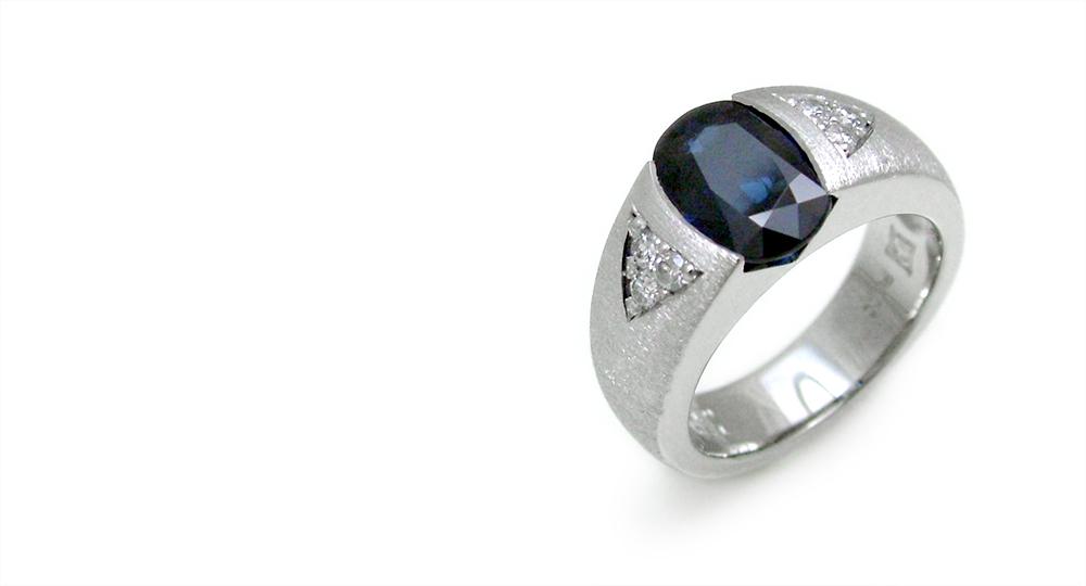 Pt Sapphire diamonds ring