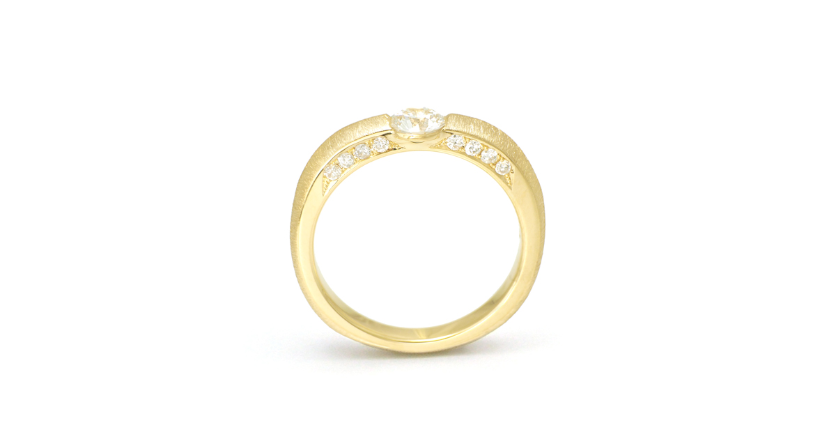 K18 Diamonds Ring with setting diamonds on the side SHINKO STUDIO Custom Order