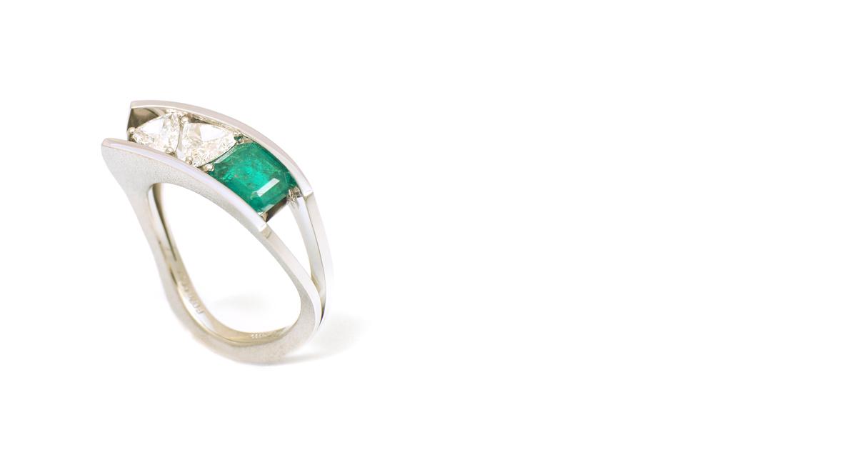Pt Emerald Trilliant diamons Ring cutom order SHINKO STUDIO