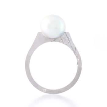 Kōsa[交差]- Flat Akoya Blue gray pearl ring Japanee engraving Shinko studio