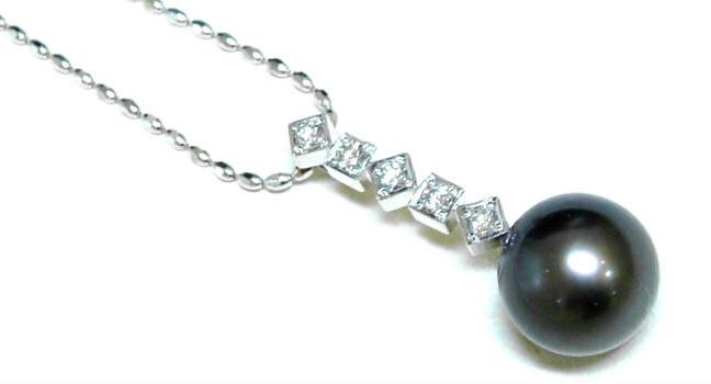 南洋パールにダイヤを合わせたペンダント
