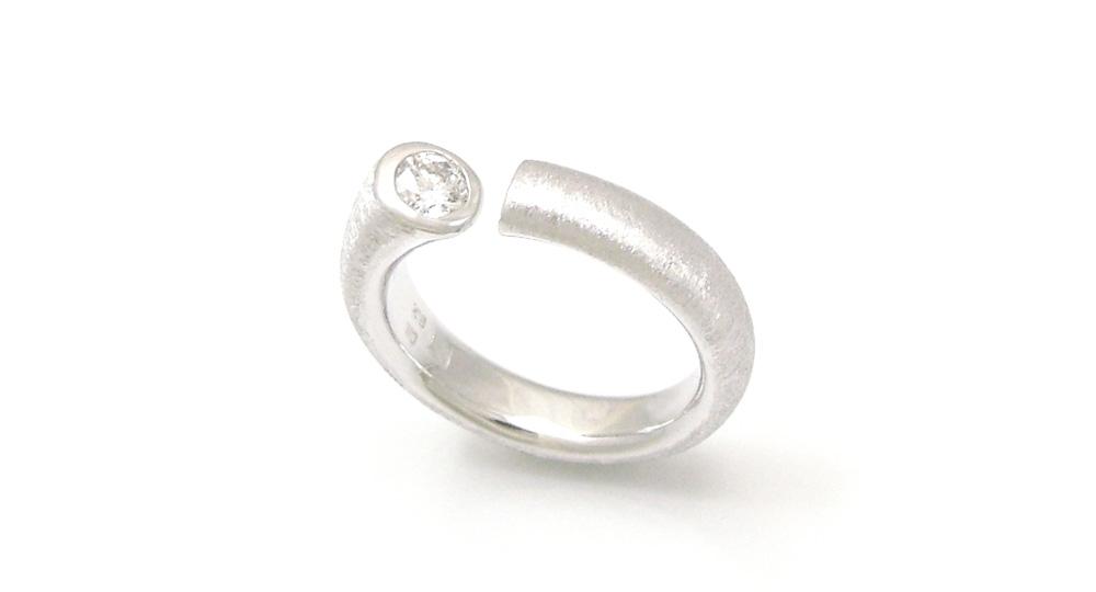 ジュエリーリフォーム K18WGダイヤモンドリング