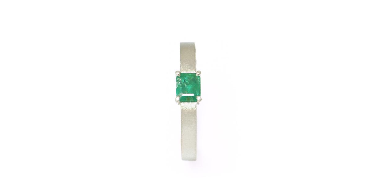 Pt900 エメラドダイヤモンドリング オーダー